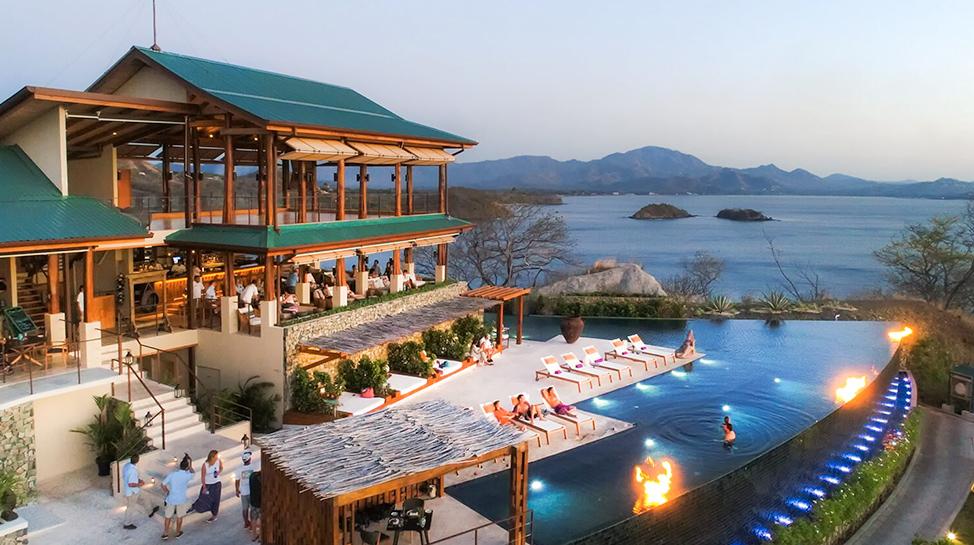 Costa Rica. El Chameleon House posee una piscina privada de agua salada. Podrás tener una vista espectacular al mar.